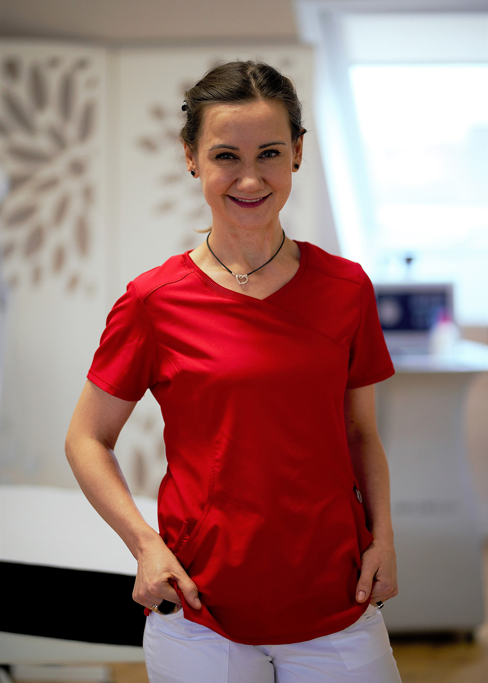 dr Anna Kluk-Staniewska
